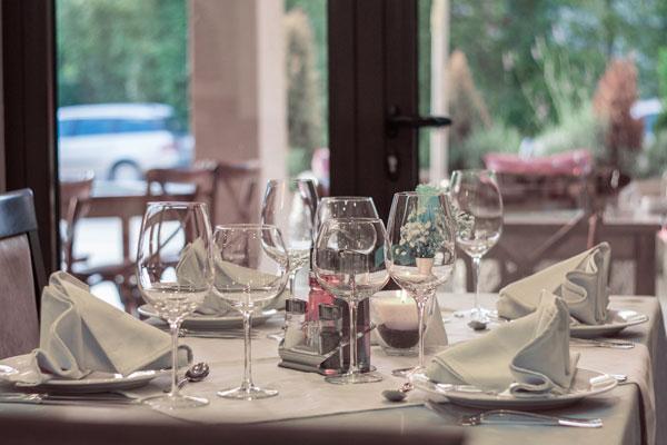 dukat bord på restaurang